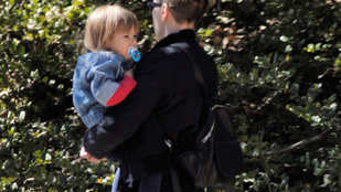 Scarlett Johansson kislánya nem igazán rajong a reflektorfényért