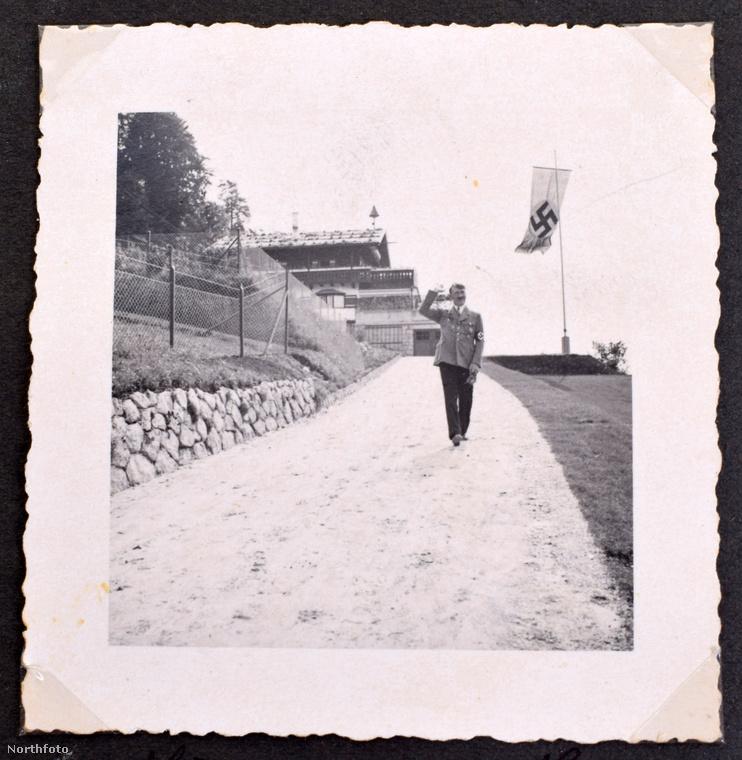 Nézzék a Führer milyen szerethető fickónak tűnik!Az előkerült fotóalbumnak köszönhetően láthattuk Eva Braun szemével.Ez persze nem menti fel azokért a bűnökért, amiket elkövetett, de kiderül, hogy - mint minden embernek - még neki is volt egy szerethető oldala.