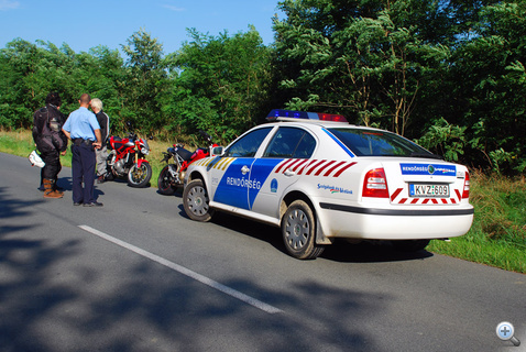 A rendőrök csak a motorra voltak kíváncsiak