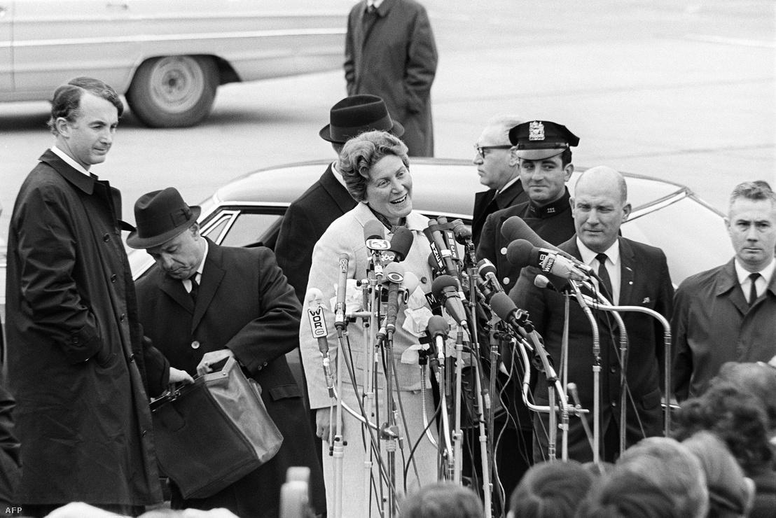 Szvetlana New Yorkban nyilatkozik a sajtónak 1967. április 22-én