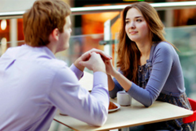 lány randi fa barátok előnyeivel társkereső során