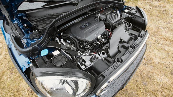 BMW négyhengeres keresztben