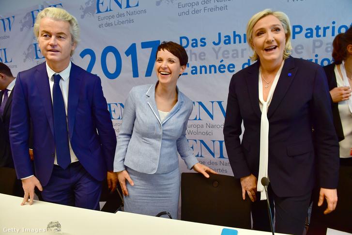 Jobboldali pártvezérek találkozója idén januárban: Geert Wilders (Hollandia), Frauke Petry (Németország) és Marine Le Pen (Franciaország)