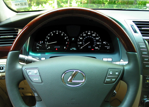 lexus-ls460-steering-wheel