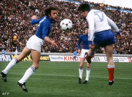 A francia Bernard Lacombe és az olasz Mauro Bellugi párharca