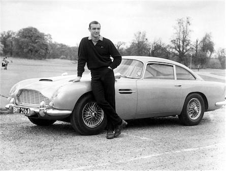 Sean Connery az autóval