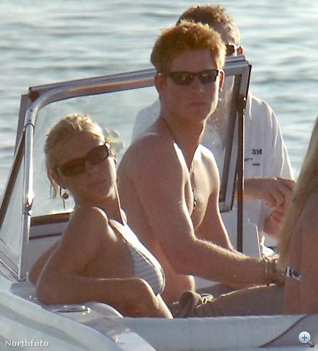 Egy másik fotó Barbadosból a napszemüveges hercegről.