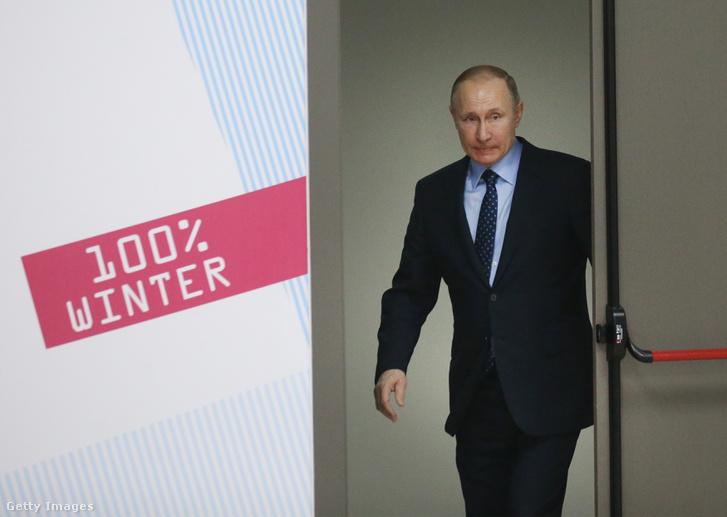 Vlagyimir Putyin Krasznojarszk repülőterén