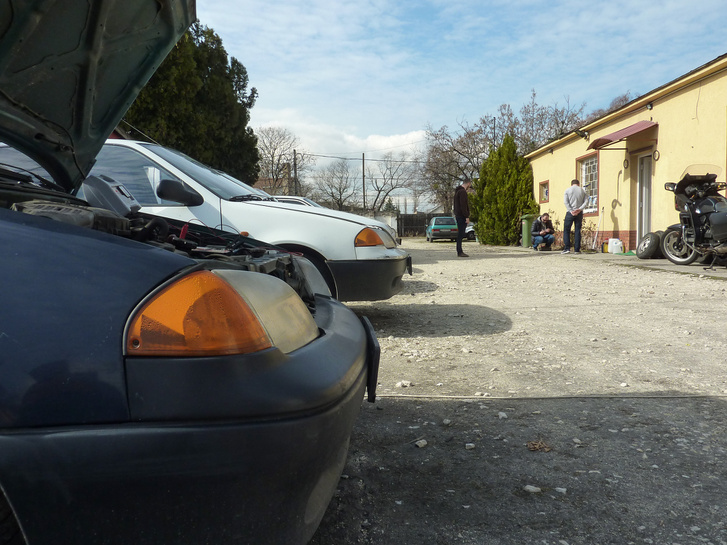 Napi 5 ezer forintért bárkinek adnak autót