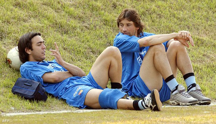 Alvaro Recoba (bal) és Fabian O'Neill egy 2002-es edzésen