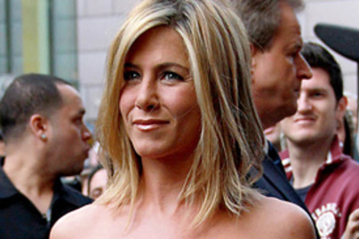 aniston lead