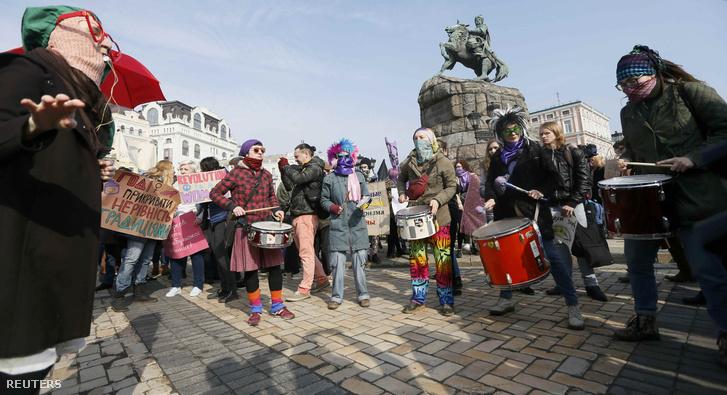Nőnapi demonstráció Kijevben.