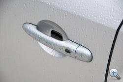 Kulcsnélküli nyitással nyílik kulcs nélkül