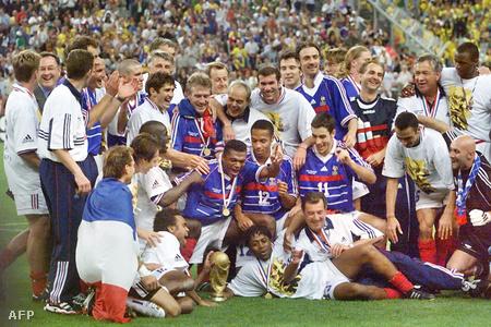 Franciaország a hetedik vb-győztes ország lett, amely hazai pályán nyert