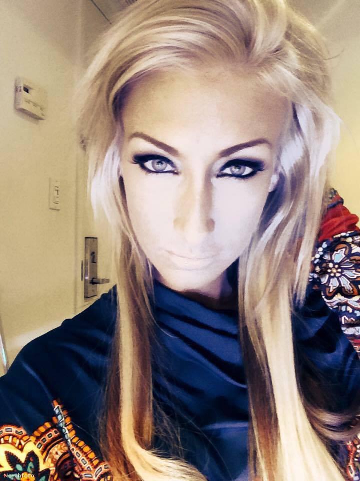 Egy másik kép a múltból, Crystal Bassette pornószínésznőről.