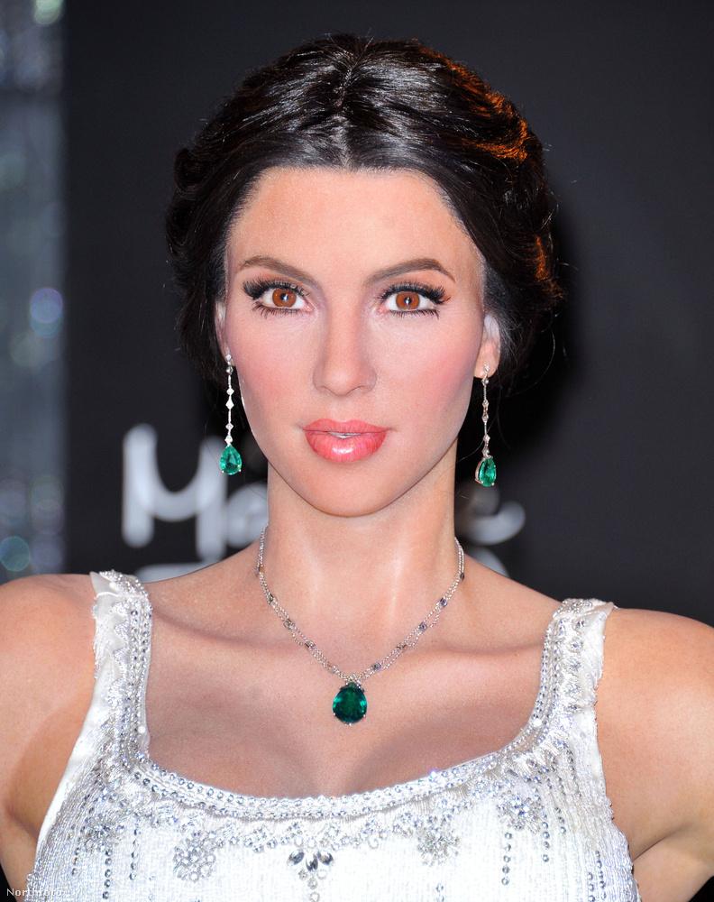 sokkal inkább egy elbénázott Kim Kardashian