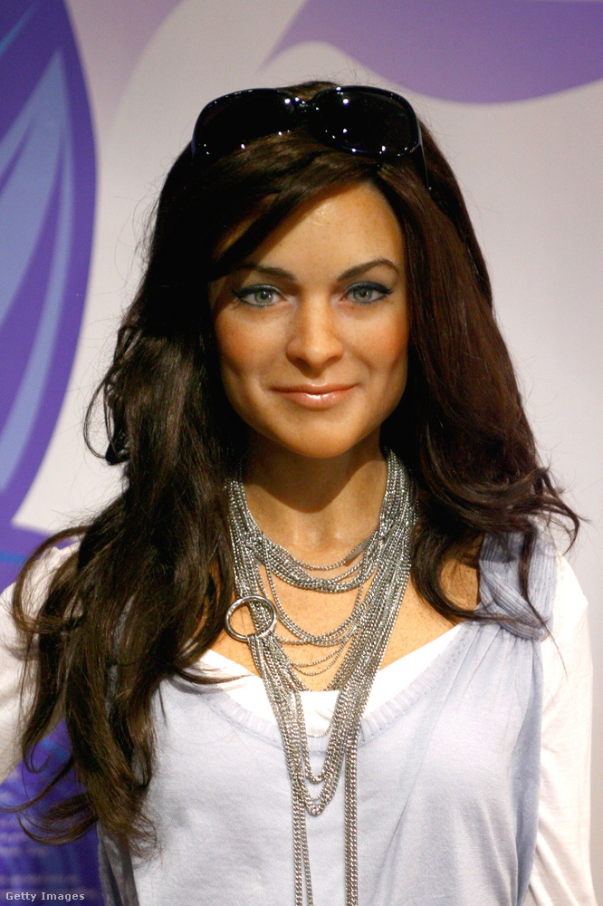 Lindsey Lohan arcán még dolgozhattak volna, hogy ne úgy fessen, mint bárki, aki nem Lindsay Lohan.
