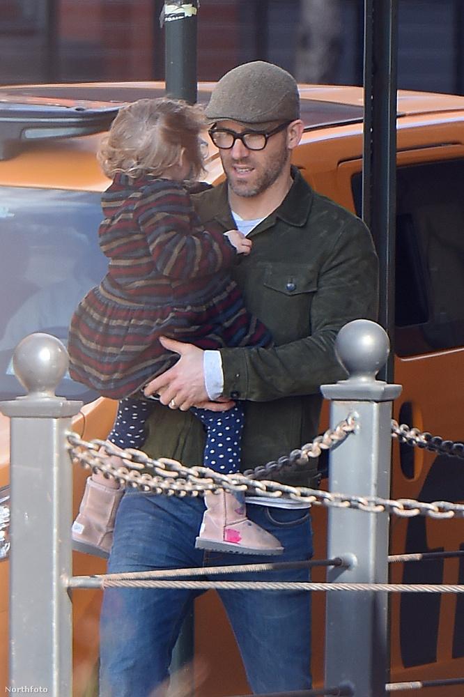 Ryan Reynolds gyerekeit legutóbb akkor láthattuk, amikor a színész megkapta a Hollywoodi hírességek sétányán a saját csillagját.