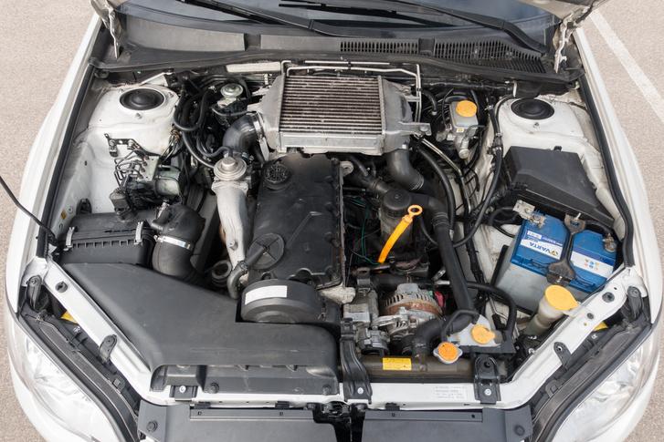 Subaru PDTDI. Rezeg, zakatol, mint minden PD, de nem romlik el, erős és nem fogyaszt sokat vele a japán-német kentaur