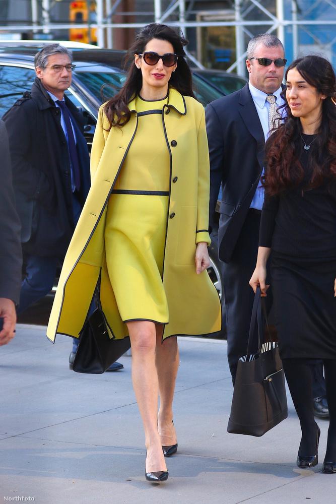 Clooneyné egyébként február végén mutatta meg először a világnak szépen gömbölyödő hasát