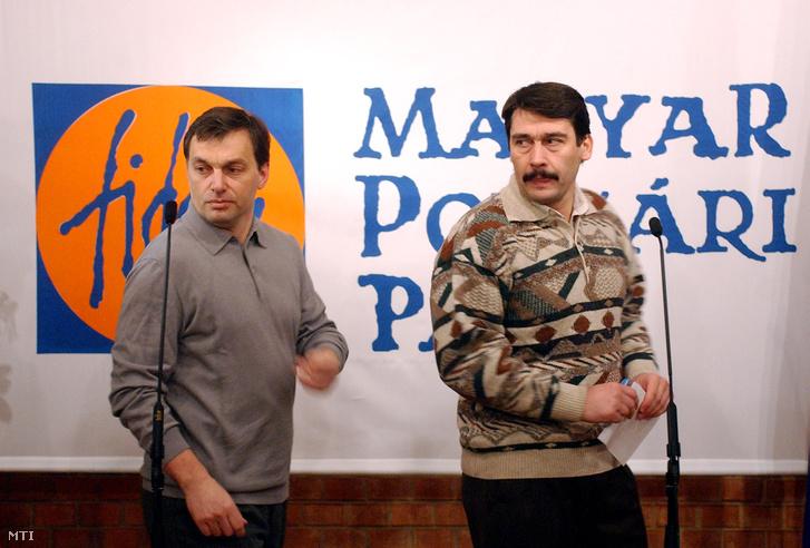 Orbán Viktor és Áder János a 2003. januári kétnapos elnökségi ülés végén, készülve a májusi kongresszusra