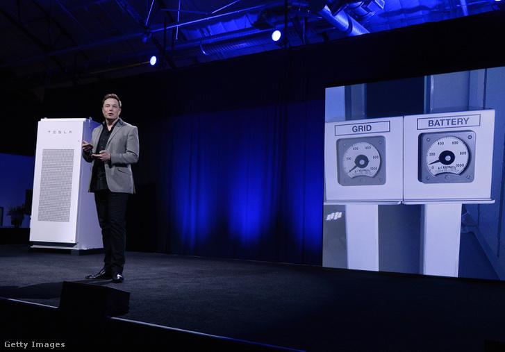 Musk 2015-ben mutatta be az új elektromosenergia-tároló rendszerét, a Powerwall-t