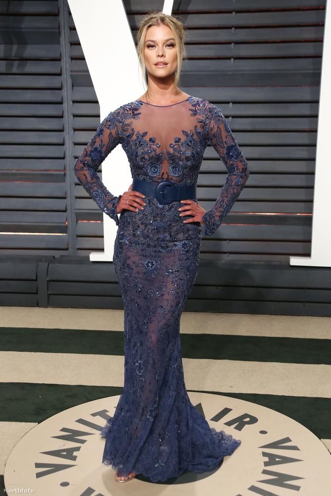 Igaz, hogy Nina Agdal az Oscar-gálán egyedül pózolt, de civilben ott van mellette pasija.