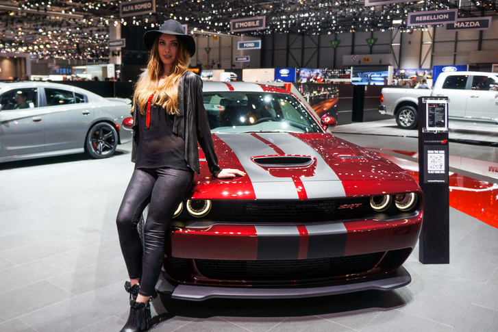 A Dodge Challenger SRT-hez rendes futómű is kell
