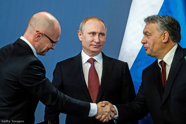 Szergej Kirijenko, a Roszatom elnöke, Vlagyimir Putyin és Orbán Viktor