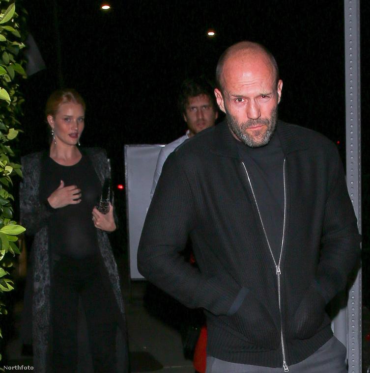 Rosie Huntington-Whiteley és Jason Statham egy elegáns kaliforniai étteremben ünnepelte kapcsolatuk hetedik évfordulóját, és erről a nagy eseményről remek fotókat is tudunk mutatni.