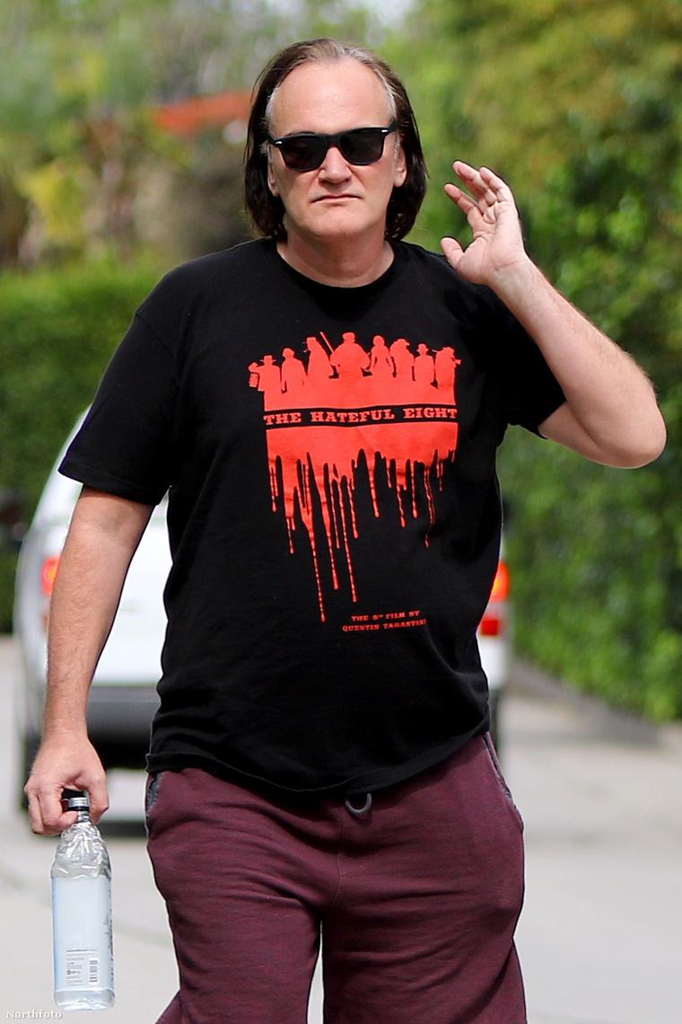 Tarantino reggeli séta közben.
