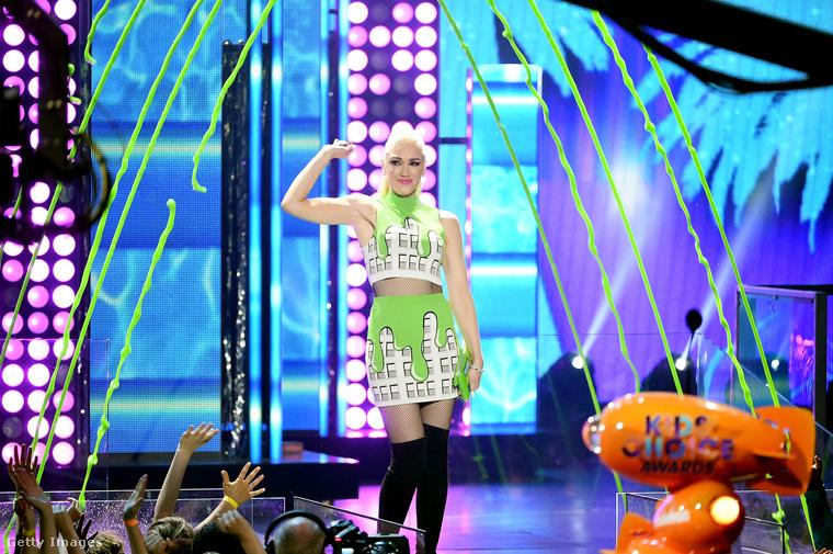 Ez volt Gwen Stefani másik ruhája aznapra, természetesen a trutyizáshoz