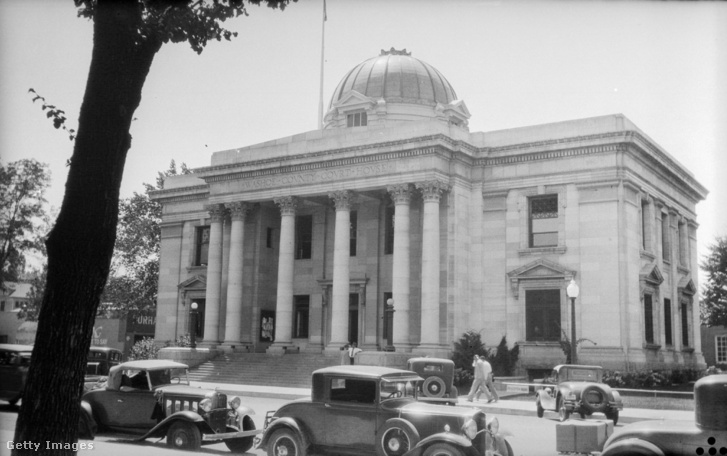 A válóperekkel foglalkozó bíróság Renóban 1935-ben