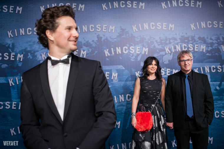 Akikhez Nagy Ervin az előteret biztosít: a film rendezője Herendi Gábor és felesége.