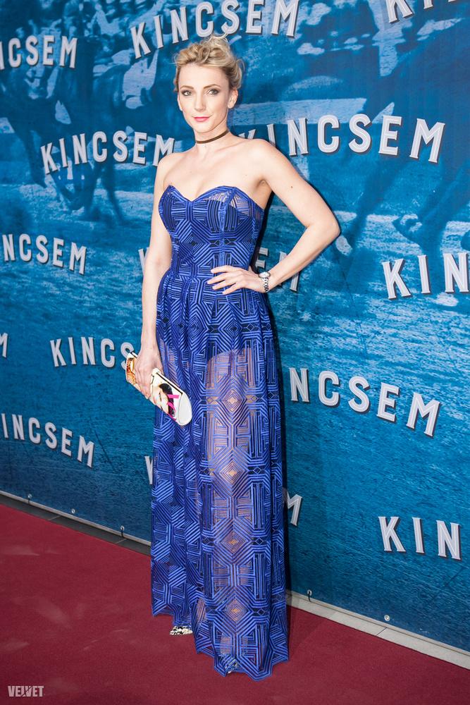 Ő pedig Borbély Alexandra szlovákiai magyar színésznő, aki nem csak azért érdekes, mert az este legizgalmasabb ruháját egyértelműen ő viselte...