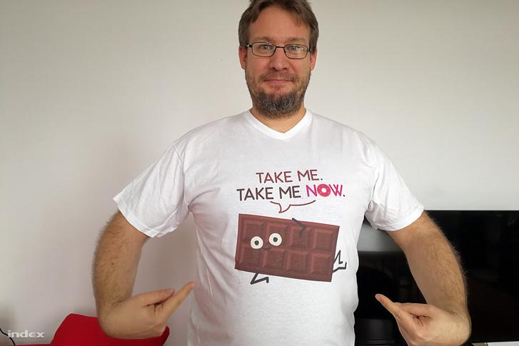 Vicces kollégák ezzel a pólóval leptek meg hónap végén