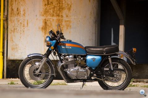 Az arányai megegyeznek a mai modern motorokéval, ennek ellenére ez már népszerű veterán