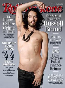 Russell Brand a Rolling Stone címlapján félmeztelen