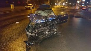 Három utas közül csak az élte túl a balesetet, aki kirepült az autóból