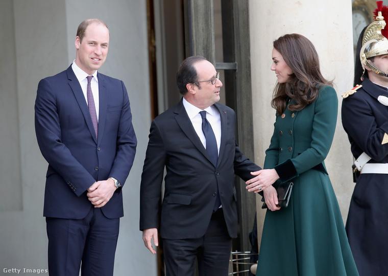 Mielőtt megmutatnánk, először tekintse meg, milyen kedélyesen eltársalgott a francia elnökkel