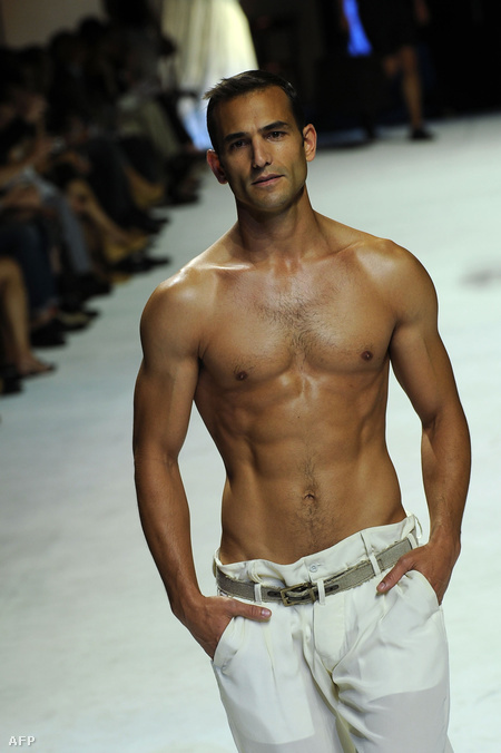 pénisz férfi modell