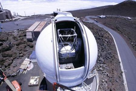 A Pan-STARRS projekt 1,8 méteres távcsöve a Haleakala csúcson Mauin [Pan-STARRS projekt]