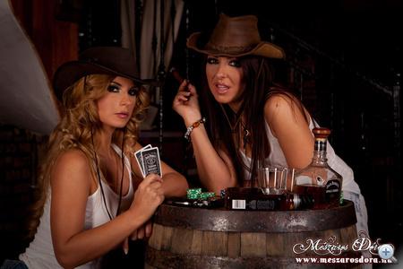 leszbikus szex egy sztriptíz klubban