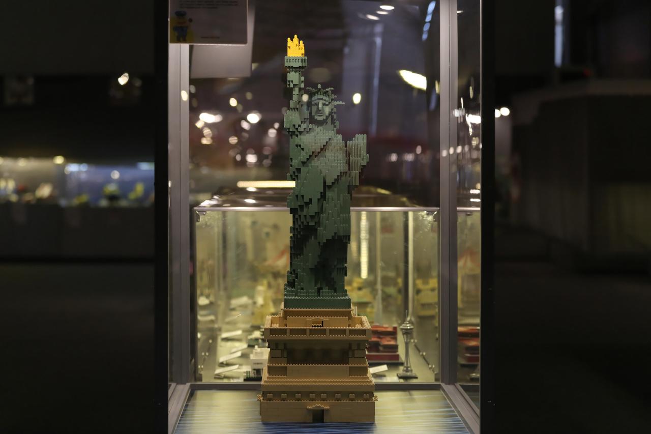A New York-i szabadság szobor impozáns makettje csak egy a rengeteg építészeti témájú építmény közül.