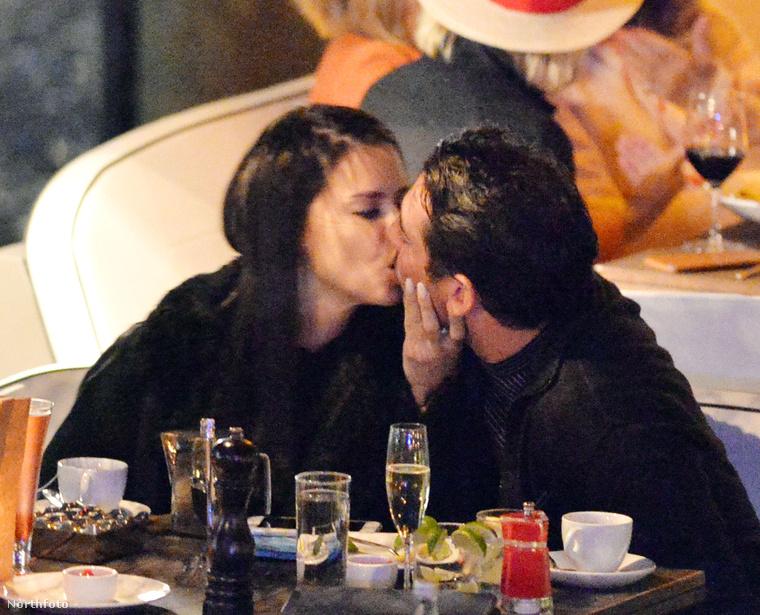 Mondjuk voltak pillanatok, amikor azt hittük Adriana Lima soha többet nem kapja vissza a száját.