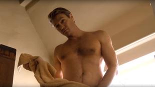 Chad Michael Murray pucérra vetkőzött egy sorozatban