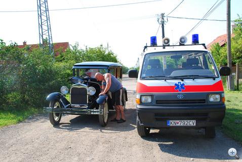 Szlovák rendszámú mentővel bikázunk uruguayi Fordot