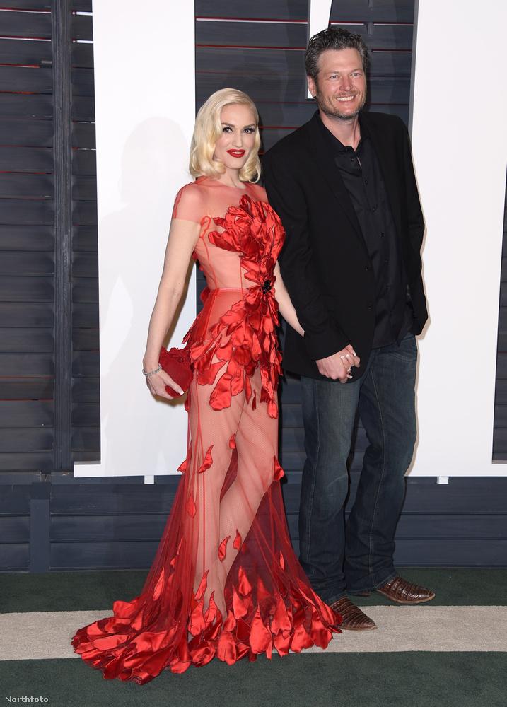 Ugyanekkora siker volt Gwen Stefani ruhája is.