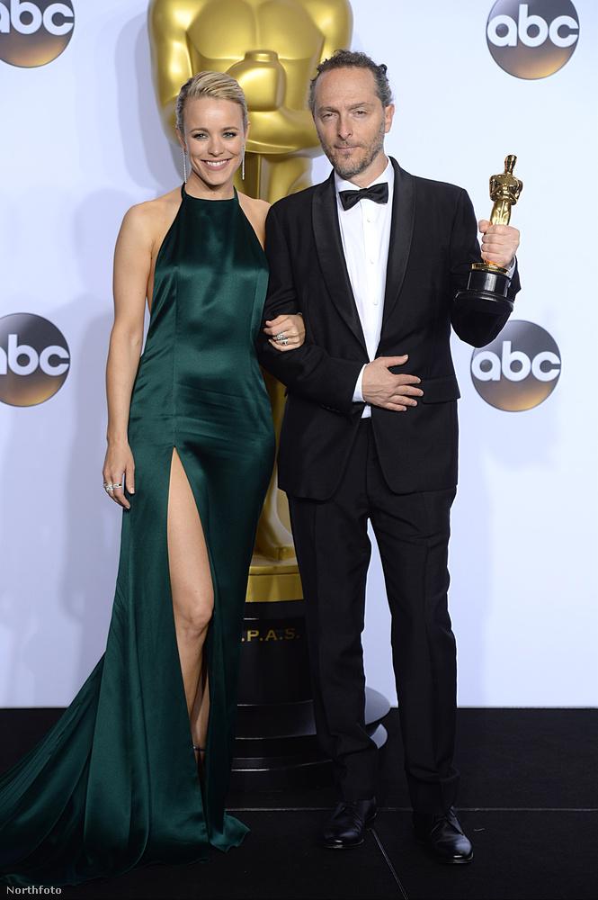 Megérte a kockáztatást, hogy nem egy tipikus Oscar-dresszt adtak McAdamsre.