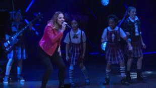 Mel C váratlanul beugrott énekelni egy musicalbe